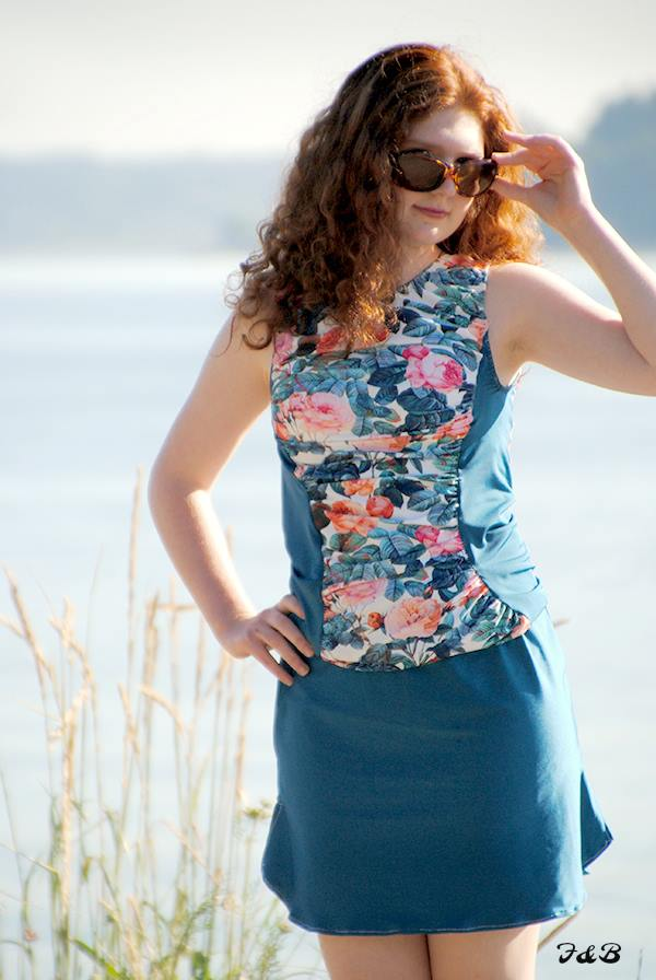 view B ruched top and plain sport skirt