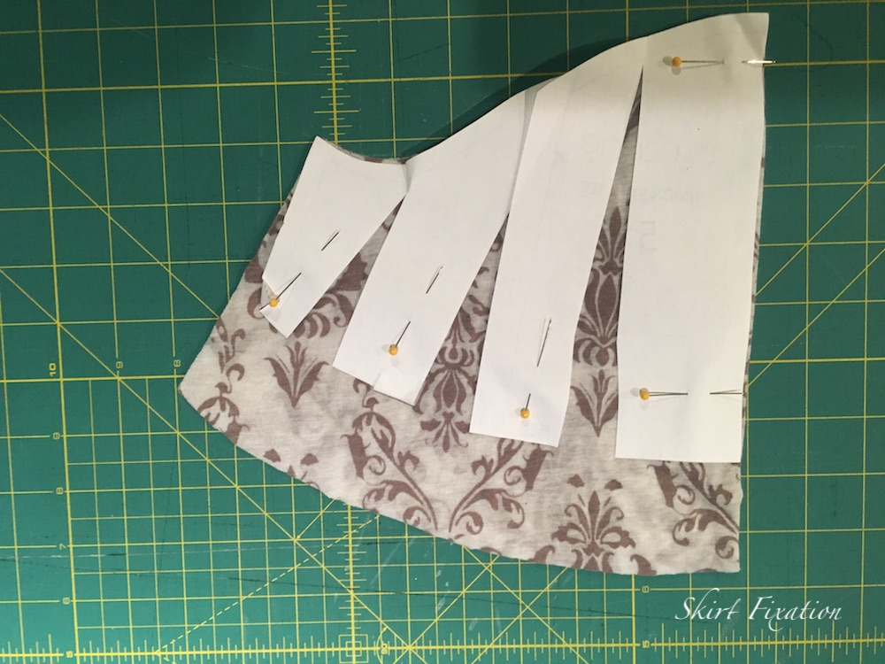 Slash and spread flutter sleeve tutorial from Skirt Fixation