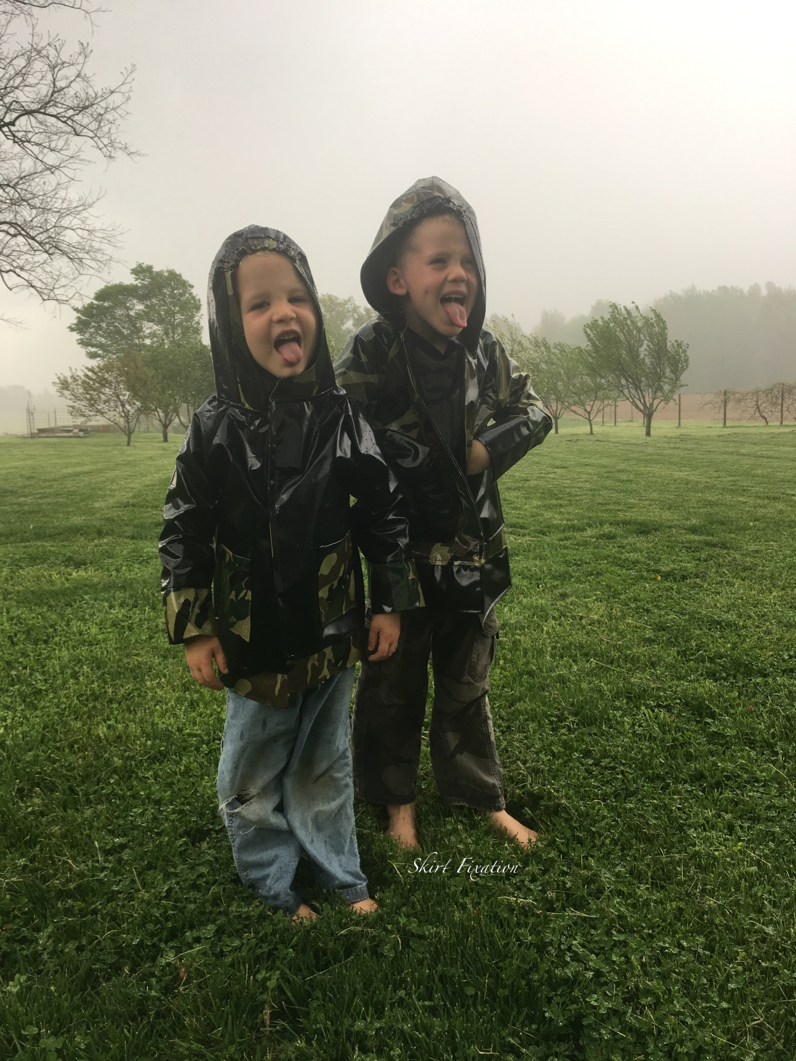 Rain jackets sewn by Skirt Fixation