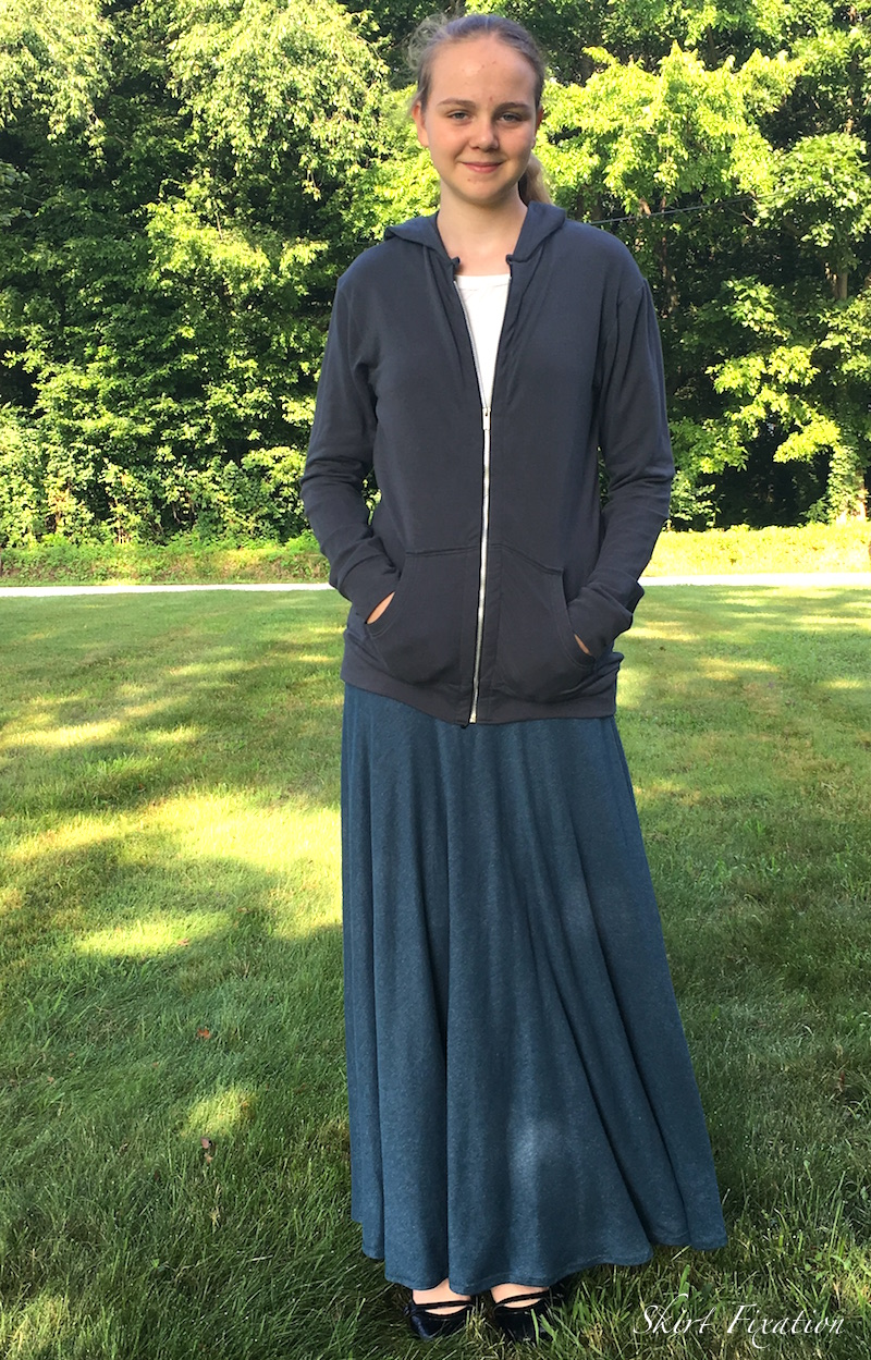 4H sewing project by Skirt Fixation
