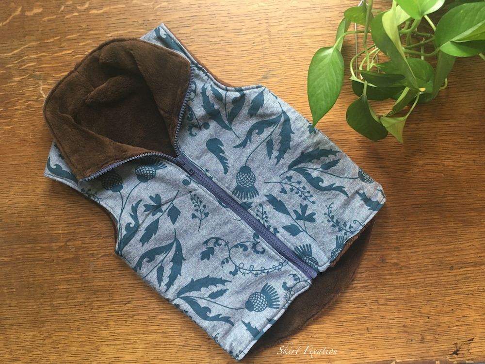 Hygge Vest sewn and reviewed by Skirt Fixation